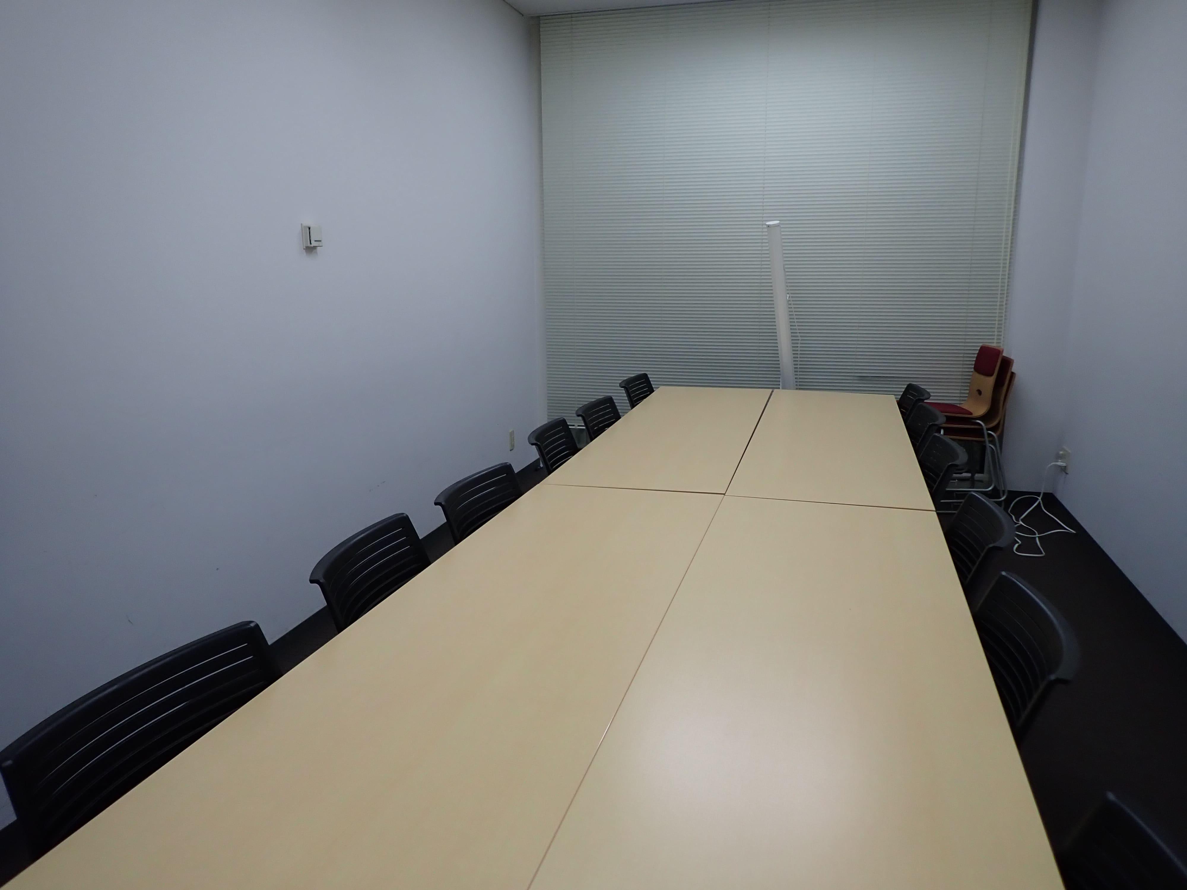 会議室2(12名)