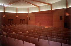 一条ホール